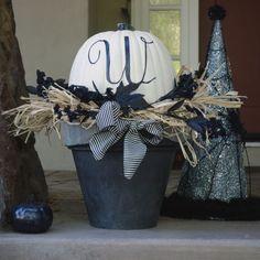 Fun Halloween pumpkin decoration.    Happy Happy Nester