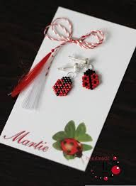 Martisor ~ Romanian Tradition to welcome Spring ~ Yarn Crafts, Diy And Crafts, Welcome Spring, All Craft, Brick Stitch, Beaded Earrings, Quilling, Projects To Try, Crafty