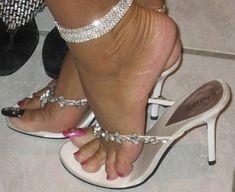 women feet in thong sandals high heels Sexy Legs And Heels, Hot High Heels, High Heels Stilettos, Stiletto Heels, Long Toenails, Beautiful Toes, Sexy Toes, Women's Feet, Hot Shoes