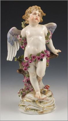 Lovely 19thC Meissen Porcelain Figurine of Cupid