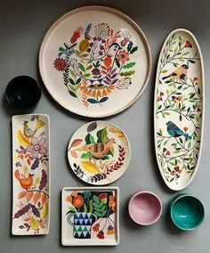DIY No Bake Sharpie Art Bowls 12 a better finishing secret for DIY beautiful Anthropologie style designs on ceramic bowls or mugs. Ceramic Plates, Ceramic Pottery, Pottery Art, Decorative Plates, Pottery Studio, Slab Pottery, Painted Pottery, Pottery Plates, Pottery Painting Designs