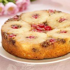 Milloin viimeksi leivoit ananaskeikauskakkua, todella herkullista retroklassikkoa? Kakku maistuu sellaisenaan tai kermavaahdon kanssa. Desert Recipes, No Bake Cake, Food Art, Sweet Recipes, Cake Decorating, Deserts, Muffin, Food And Drink, Cooking Recipes