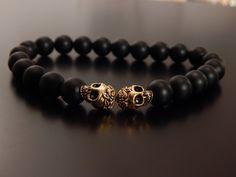 Matt schwarz Onyx und Gold Schädel Mens Perlen von ArcticOnyx