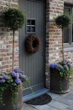 Looking for Artificial Topiary Trees? Have a look at our extensive range of quality topiary trees and plants. Top quality at great prices. Browse our range and buy artificial topiary trees online. Diy Garden, Garden Cottage, Garden Ideas, Garden Tools, Front Door Planters, Large Planters, Cottage Front Doors, Cottage Door, Country Front Door
