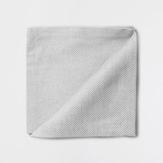napkins to work with gray plates.  Layer those grays!