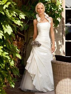 Taffeta Wedding Dresses Linea Raffaelli style set ivory and bronze taffeta wedding dress size 38 available off the peg sample gown at Rosemantique online bridal boutique - Wedding Dresses With Flowers, Wedding Dresses With Straps, Wedding Dresses For Sale, Wedding Dress Sizes, Colored Wedding Dresses, One Shoulder Wedding Dress, Wedding Costs, Wedding Tips, Buy Wedding Dress Online