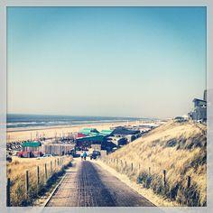 Zandvoort, Noord Holland '94 vakantie in eigen land. met hond naar het strand en manlief.