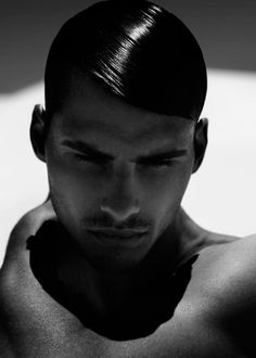 ph by Stefano Moro Van Wyk Hair awesome! Mens Slicked Back Hairstyles, Trendy Hairstyles, Slicked Hair, Glossy Hair, Shiny Hair, Moustaches, Pretty Men, Beautiful Men, Brylcreem Hairstyles