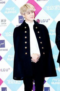 Jimin ❤ BTS at the 2016 SAF Gayo Daejun (161226) #BTS #방탄소년단