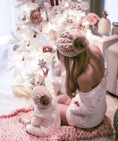 New Baby Girl Photography Christmas Picture Ideas Ideas Baby Christmas Photos, Cozy Christmas, Holiday Photos, Family Christmas, Baby Girl Christmas, Christmas Holidays, Christmas Ideas, Christmas Crafts, Christmas Decorations