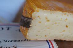 Mange oster har navn etter en by. Så også med Livarot. Markant ost fra Normandie; en av disse du gjerne må lære deg å like.