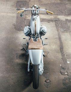 Silver Knight winner Lord of the Bikes - Moto Guzzi Bike Style, Motorcycle Style, Motorcycle Gear, Moto Style, Vintage Bikes, Vintage Motorcycles, Custom Motorcycles, Bobber Custom, Custom Bikes