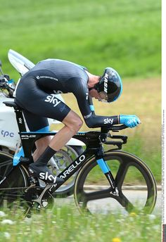 Chris Froome on his way to winning the stage and the overall at Romandie