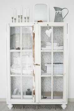 10 Bold Clever Tips: Shabby Chic Painting Stencils shabby chic home.Shabby Chic Deko Wohnzimmer shabby chic home mirror. Shabby Chic Mode, Shabby Chic Bedrooms, Shabby Chic Style, Vintage Shabby Chic, Shabby Chic Furniture, Shabby Chic Decor, Rustic Decor, Vintage Furniture, Small Bedrooms