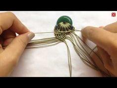Macrame jewelry set tutorial: The Adelia necklace - Hướng dẫn thắt mặt d. Macrame Jewelry Tutorial, Necklace Tutorial, Macrame Art, Macrame Projects, Macrame Necklace, Macrame Knots, Macrame Bracelets, Hippie Mode, Necklace Length Chart