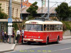 Škoda 9tr v Plzni Bus Coach, Busses, Public Transport, Coaches, Techno, Transportation, Cars, Retro, Vehicles