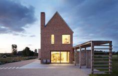 New-build barn in Reydon, Suffolk Architects: Lucy Marston Architects