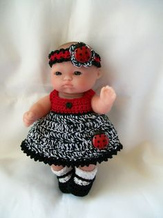 Crochet Berenguer itty bitty Lots to Love Reborn Doll Clothes - 5 inch Berenguer doll Clothes Handmade. Outfit ready to buy. Crochet Doll Dress, Crochet Doll Clothes, Knitted Dolls, Felt Dolls, Doll Clothes Patterns, Doll Patterns, Baby Knitting, Crochet Baby, Small Baby Dolls