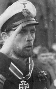 ✠ Reinhard Hardegen (18 March 1913) RK 23.01.1942 Kapitänleutnant, Kdt. [89. EL] 23.04.1942 Kapitänleutnant, Kdt.