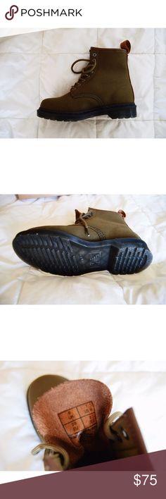 Dr. Martens 1460 Grenade Green 12oz. Waxy Canvas/Tan New Laredo (US Men's 7, US Women's 8) NEVER WORN Dr. Martens Shoes