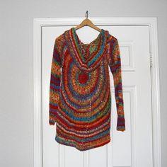 Pinwheel camisola e os padrões de crochet cardigan mais lindos e grátis!  Torná-los todos para o guarda-roupa prefeito camisola!  {Mooglyblog.com}