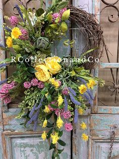 Spring Wreath, Summer Wreath, Grapevine Wreath, Floral Wreath Spring & Summer ready with this fresh flower looking grapevine wreath. All of our Wreaths & swags are designed with the highest quality in Season ribbon and florals market has to offer. ▪️Base- 16 round grapevine wreath
