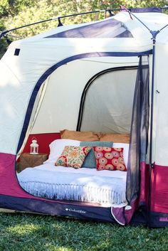 Live it up on your next camping trip with this awesome DIY cozy air mattress.