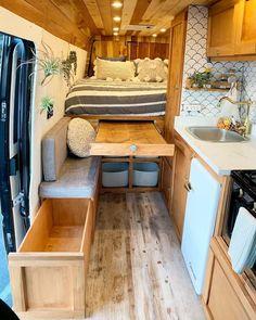 Kombi Motorhome, Truck Camper, Tiny Camper, Camper Van, Small Campers, Camper Life, Van Interior, Home Interior Design, Interior Ideas