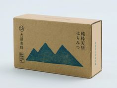 Creative Japanese, Design, Food, Packaging, and Akaoni image ideas & inspiration on Designspiration Rice Packaging, Honey Packaging, Craft Packaging, Cardboard Packaging, Packaging Design, Simple Packaging, Coffee Packaging, Biscuits Packaging, Bakery Packaging