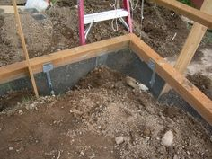 pretty quail coop | ... wire will keep rats and other critters from digging into the coop
