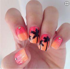Cute Summer Palm Tree Nails