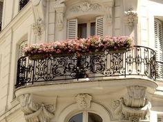 Balcony Parisienne..Lovely!