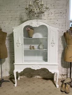 Painted Cottage Prairie Chic One of a Kind Vintage China Display Cabinet CC2001 Painted Cottage, Shabby Cottage, Cottage Chic, Farmhouse Chic, French Farmhouse, French Country, Vintage China Cabinets, Shabby Chic Apartment, China Cabinet Display
