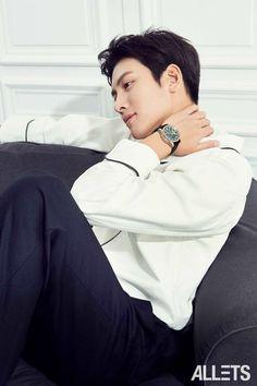 ❤❤ 지 창 욱 Ji Chang Wook ♡♡ that handsome and sexy look . Ji Chang Wook Healer, Ji Chang Wook Smile, Korean Star, Korean Men, Asian Actors, Korean Actors, Korean Celebrities, Celebs, Ji Chang Wook Photoshoot