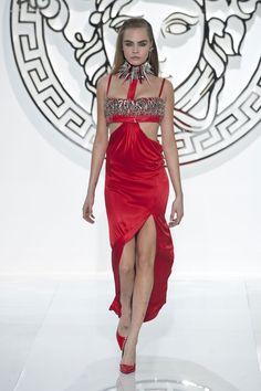 Versace Fall 2013 Ready-to-Wear | Milan Fashion Week