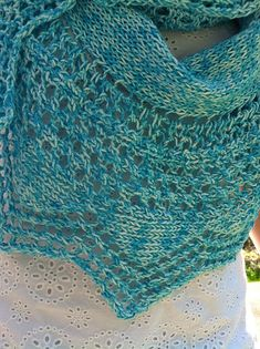 Free Pattern: Turquoise Summer Scarf