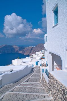A Quick Guide To Santorini – Train Hard Live Clean