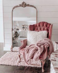 Bedroom Vintage, Shabby Chic Bedrooms, Vintage Room, Shabby Chic Homes, Shabby Chic Decor, Modern Bedroom, Chic Bedroom Ideas, Modern Chic Decor, Shabby Chic Bedroom Furniture
