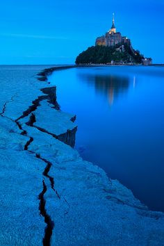 Blue Hour Mont St.Michel, Normandie