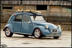 Possibly the most gorgeous 2cv I've ever seen. amazing