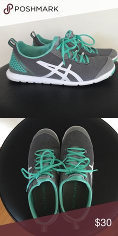 MetroLyte Asics size 8.5 Super light weight shoe. Great condition. Worn 3 times, just not enough support for my liking. Asics Shoes Athletic Shoes