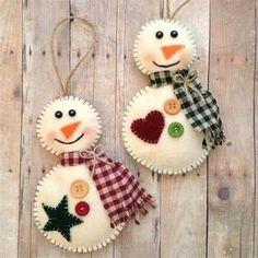 Snowman Christmas Ornaments, Felt Christmas Decorations, Christmas Felt Crafts, Fabric Ornaments, Felt Ornaments, Handmade Ornaments, Beaded Ornaments, Ornaments Design, Christmas Sewing
