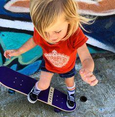 Skater girl, cute style. Love ❤️ See this Instagram photo by @kelsaygroms • 395 likes