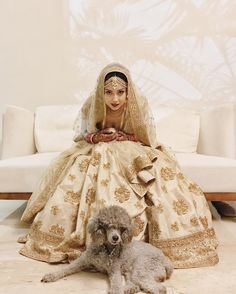 Get the new collection of lehenga chunni online. Enhance your beauty with the latest collection of lehenga choli, lehenga chunni designs, images online. Pakistani Wedding Outfits, Bridal Outfits, Wedding Attire, Wedding Dresses, Bengali Wedding, Sikh Wedding, Wedding Photoshoot, Lehenga Chunni, Sabyasachi