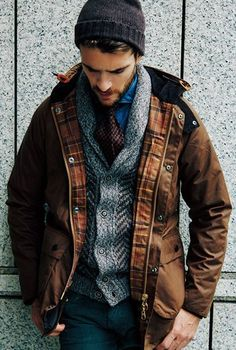 Take advantage of the endless options from a shawl cardigan that will ultimately give anyone a lasting look that is worthy of any praise. Rugged Style, Love Fashion, Winter Fashion, Mens Fashion, Stylish Men, Men Casual, Blue Denim Shirt, Barbour Jacket, Men Photoshoot