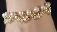 Bracelet and necklace with pearls - 5.
