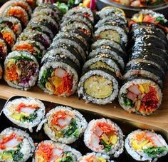 food aesthetic Image in Korean👄foods&drinks collection by Ichikawa tsubaki Sushi Recipes, Asian Recipes, Cooking Recipes, Healthy Recipes, Korean Street Food, Korean Food, Chinese Food, K Food, Food Porn