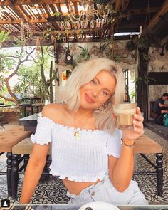 Laura Jade Stone, Blonde Women, Going Out, Cute Outfits, Street Style, My Style, Beauty, Beautiful, Happy Saturday