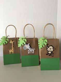 Zoo Animals Favor Bags Set of 12 Safari Theme Birthday, Boys First Birthday Party Ideas, Wild One Birthday Party, Baby 1st Birthday, Party Kulissen, Safari Party Decorations, Decoration Buffet, Die Dinos Baby, Favor Bags