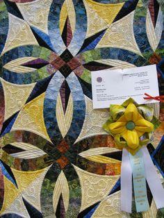 detail from Wedding Star (Judy Niemeyer), which won Best Collaborative Quilt.